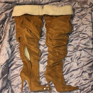 ADORABLE JEFFREY CAMPBELL THIGH HIGH SUEDE BOOTS!